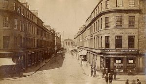 A view of Reform Street looking up from High Street in 1875. (Dundee City Archive on Flickr- https://bit.ly/2q0BJ0H)