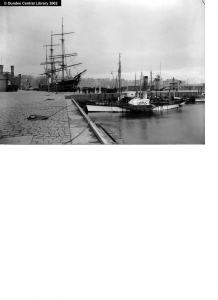(Image: Photopolis, The Esquimaux,Ref WC0912, 2002,  Photopolis, Dundee City Archives, Central Library, Wellgate, Dundee)
