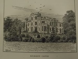 Engraving of the castle that William Edward Baxter inherited from his uncle's widow, Lady Baxter in 1882.