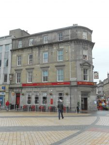 Counting House pub, former National Bank of Scotland. Photo by Dorothy Connelly, 2019.